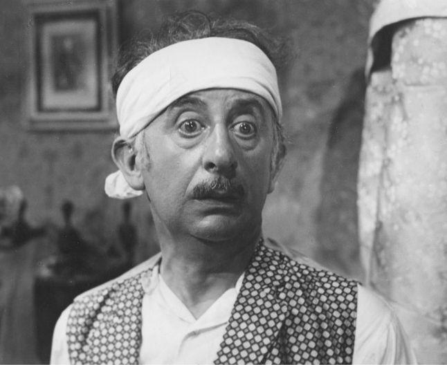 Birlic, pe numele real Grigore Vasiliu, şi-a încercat norocul de şapte ori la Conservator până a fost admis. În mod ironic, tocmai defectul din cauza căruia a fost respins la Conservator a devenit marca sa şi l-a ajutat mai târziu să cunoască celebritatea. Birlic este un nume sinonim cu teatrul românesc de comedie. Grigore Vasiliu-Birlic, actorul mărunt cu o figură desprinsă parcă dintr-o caricatură a fost considerat Louis de Funes sau Charlie Chaplin al românilor. Deşi toţi sorţi i-au fost…