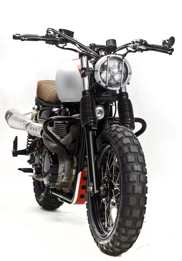 Triumph Bonneville T100 by Steel Bent Customs