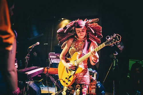 Nai Palm, front woman for the Australian four-piece band, Hiatus Kaiyote. A wonderful singer-songwriter with an interesting taste of fashion.