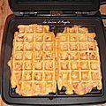 Gaufre salée à la tomate séchée, lardons et gruyère rapé - La cuisine d'Angelle
