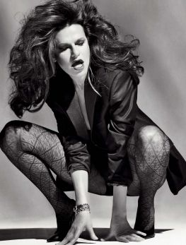 Sandra Bernhard ( June 6, 1955) - In 1991 Bernhard began playing the role of Nancy Bartlett on the hit sitcom Roseanne. She appeared in 33 episodes between 1991 and 1997, and was one of the first actresses to portray an openly lesbian recurring character on American television.