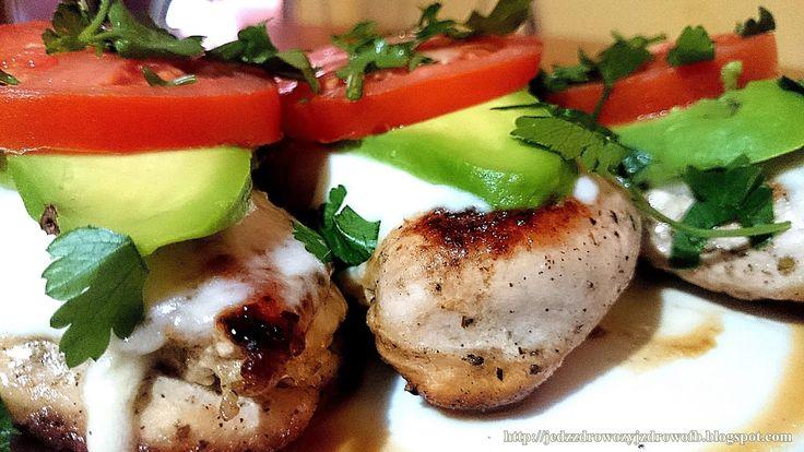 Jedz zdrowo żyj zdrowo: Pieczony kurczak caprese.