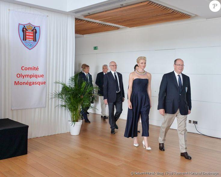 Exclusif - Le prince Albert II de Monaco et la princesse Charlene ont…