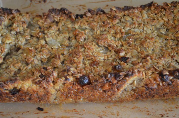 Когда я увидела вчера буквально рецепт этого пирога...если так его можно назвать конечно, сразу представилась картина семейного пикника ...
