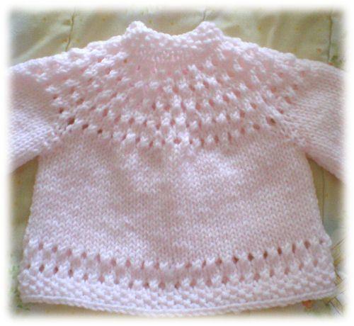 Free+Knitting+Pattern+-+Baby+Sweaters:+Pretty+Baby+Sweater
