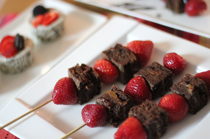 Chop up our choc brownie and add fresh strawberries to make these beautiful desert skewers!