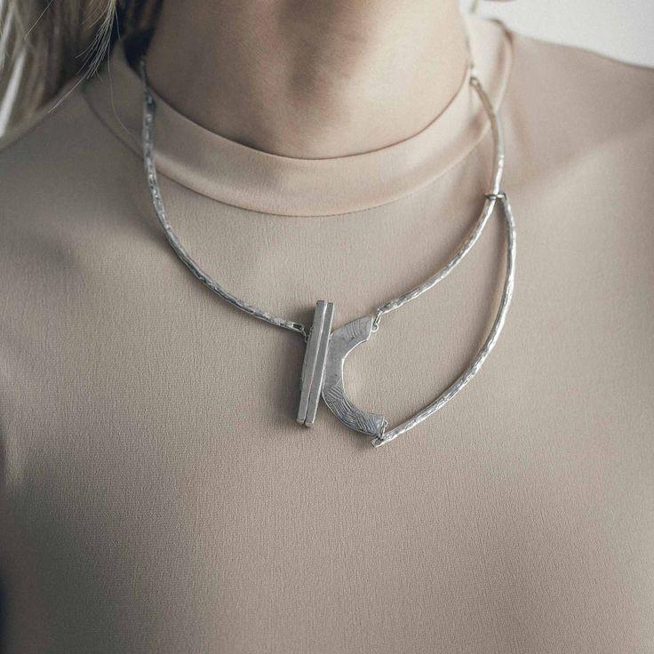 GARBIN || Artisan necklace, handmade in Canada by Anne-Marie Chagnon (2017) || Collier fait à la main à Montréal, par l'artiste bijoutière Anne-Marie Chagnon