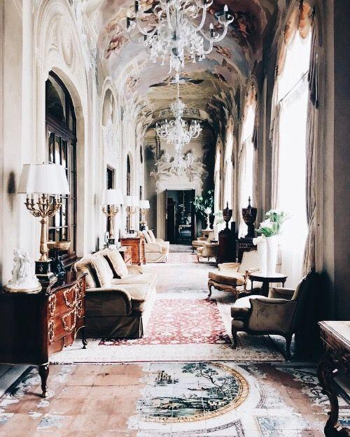 Inside Jonas Wood S Perspective Bending Interior World: Best 25+ Mansion Interior Ideas On Pinterest