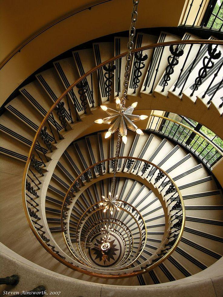 ruining historical landmark stairs - 736×981