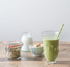 Frozen Banana, spinach and peanut butter smoothie - deliciously Ella