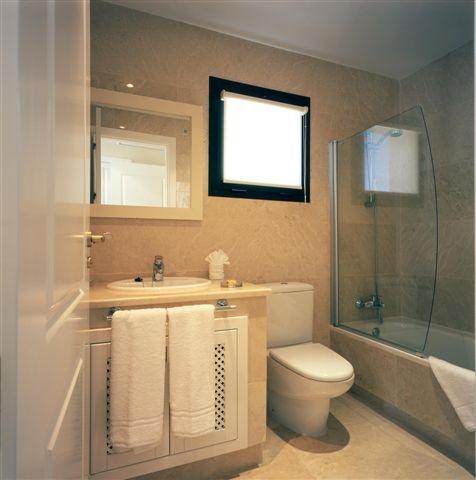 Bathroom - Golf Vacation Rental direct by Owner || Baño Completo - Alquiler de vacaciones directo del propietario