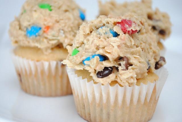 Cookie dough frosting!: Dough Frostings, Cookie Dough Cupcakes, Recipe, Peanut Butter Cupcake, Cookie Dough Frosting, Cookies Dough Cupcake, Monsters Cookies Dough, Monster Cookie Dough, Cookiedough