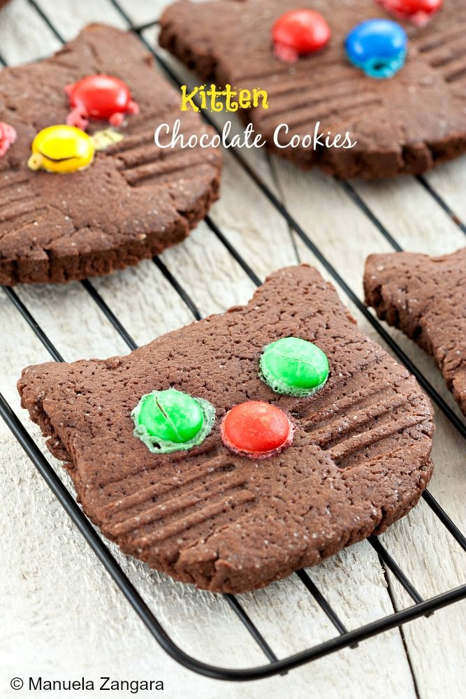 An easy recipe to make cute and delicious #Kitten #Chocolate #Cookies!