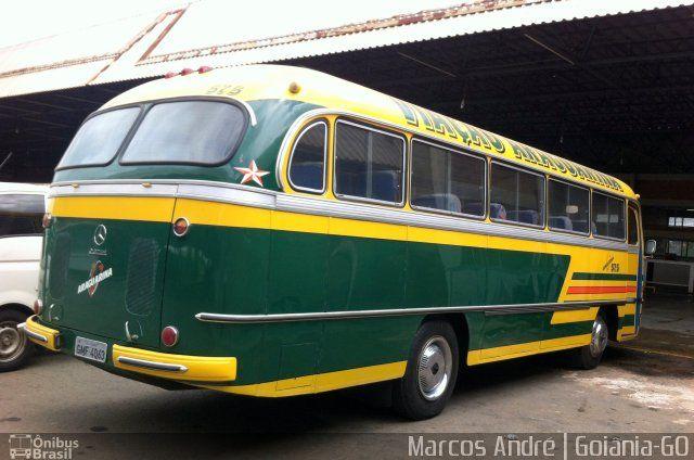 Ônibus da empresa Viação Araguarina, carro 575, carroceria Mercedes-Benz Monobloco O-321, chassi Mercedes-Benz O-321. Foto na cidade de Goiânia-GO por Marcos André | Goiânia-GO, publicada em 08/12/2014 01:23:01.