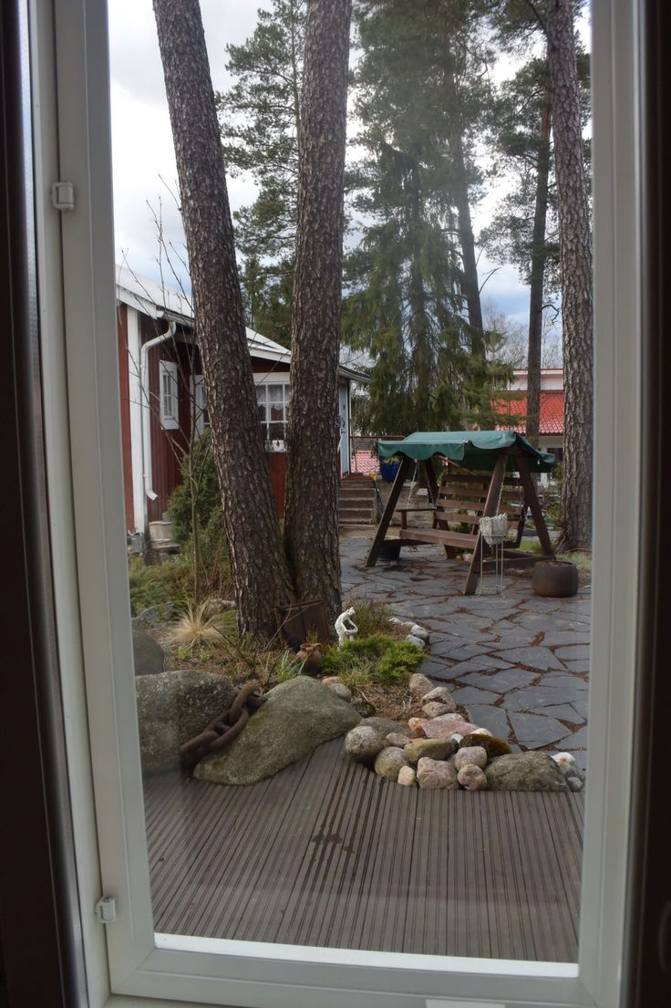 Oma puutarha ikkunanpesun jälkeen