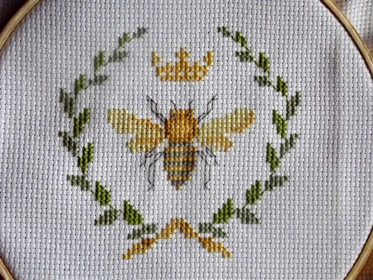 Bees Cross Stitch Transfer Pattern | Queen Bee Cross Stitch Project