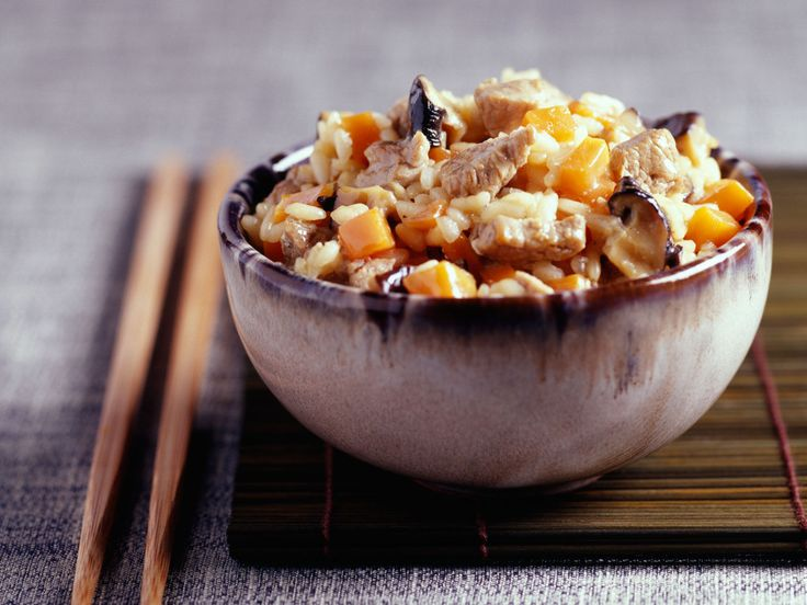 Découvrez la recette Risotto poulet champignon sur cuisineactuelle.fr.