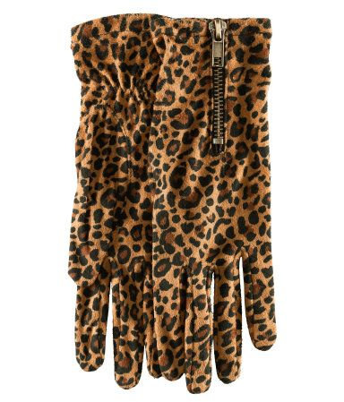 Leopard Print Imitation Suede Gloves | HM US - $9.95 - Go wild for these gloves that'll keep you warm, as well as fashionable, on those chilly Autumn nights.