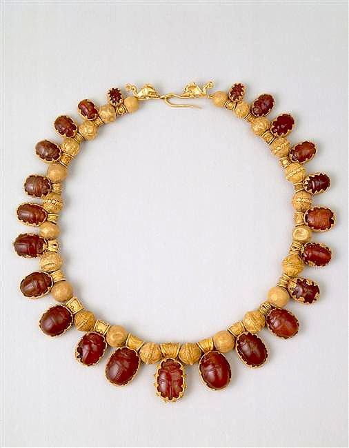 Necklace Etruscan period (8th-3rd century B.C)--I love the settings--