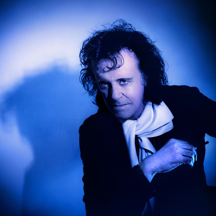 #Donovan plays #DublinCastle as part of #Tradfest2015 on Saturday Jan 31st. This folk-rock-pop troubadour exploded onto the scene in 1965 and went on to attain legendary status. Time: Doors 8.00pm. Ticket: €45  #LoveDublin #Tradfest15