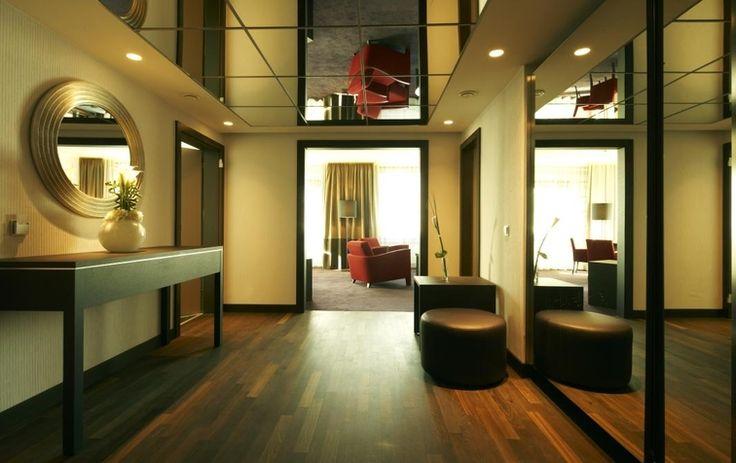 http://www.thinkhotels.com/Germany/hotel-Steigenberger-Hotel-Berlin-39056.htm