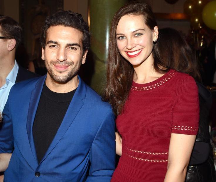 """Elyas M'Barek kam mit seiner hübschen Freundin Julia zur """"Place-to-B""""-Party ins Borchardt."""