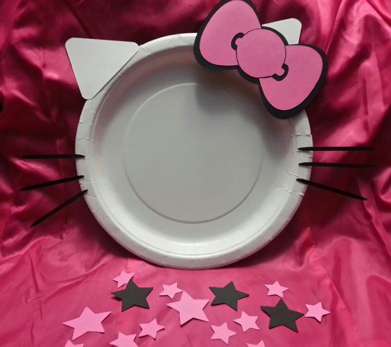 Hey, I found this really awesome Etsy listing at https://www.etsy.com/listing/175030632/hello-kitty-decorative-party-plate