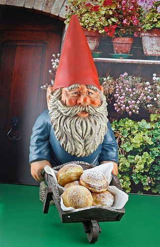Funny Gnomes: 25 Best Gnomes That Make Me Smile. Images On Pinterest