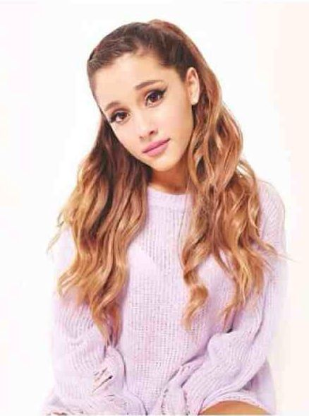 Ariana Grande-oversized jumper