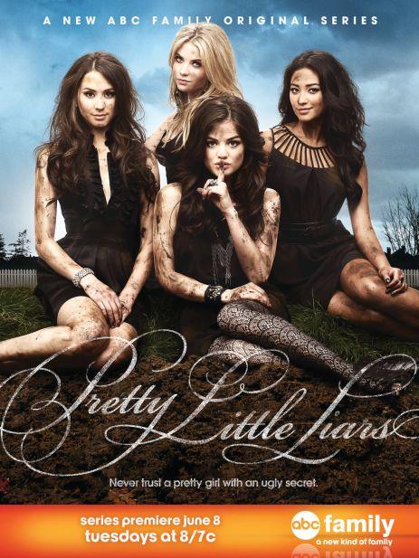 Pretty Little Liars Season 1 Poster (Lindas Mentirosas Temporada 1 Poster)