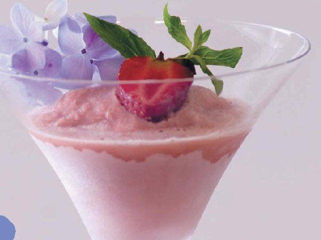 Мороженое - молоко, шелковый тофу,ягода