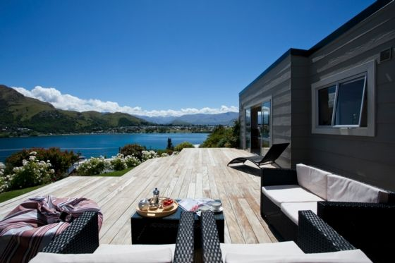 Sunny Cottage with fantastic water views in Kelvin Heights, Queenstown | Bookabach.co.nz/24446