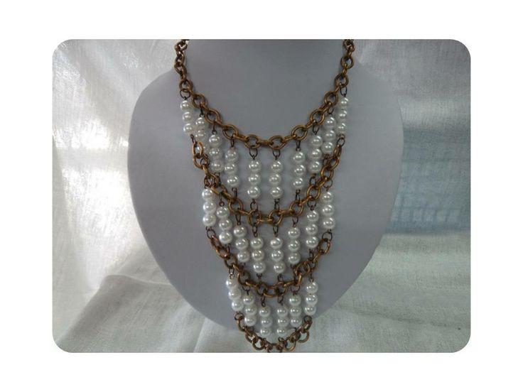 Collar de perla blanca y cadena bronce Musas Bisutería, El Salvador 2298,2510