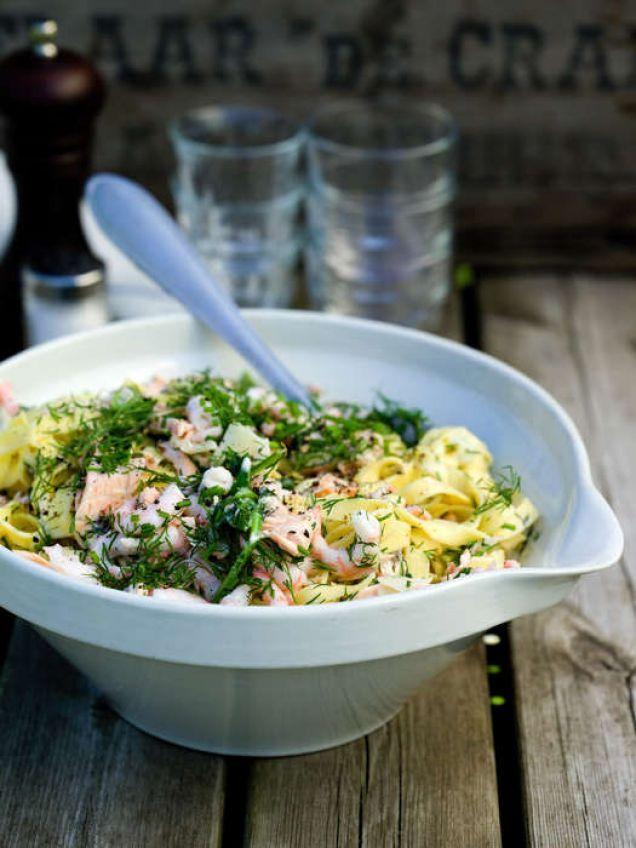 Härlig pasta med färsk lax i en krämig sås på grädde, fänkål, dill och en skvätt vitt vin.