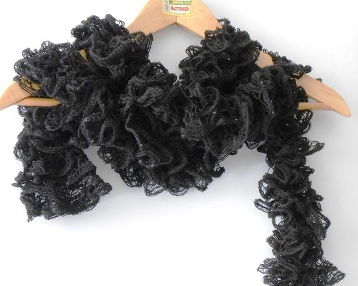 Sciarpe a maglia - sciarpa ruffled nera primaverile - un prodotto unico di cosediisa su DaWanda