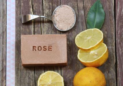 Recette : Savon bonne-mine à l'Argile Rose - Aroma-Zone