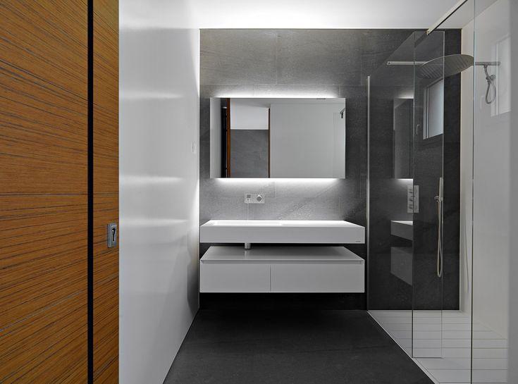 minimalist bathroom pics