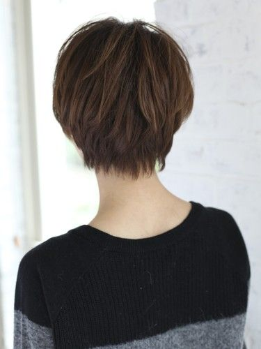 Short fine hair, front view