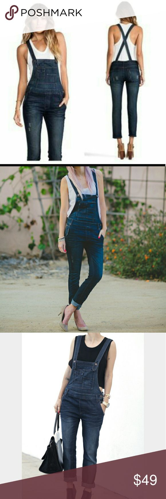 Free people denim skinny overalls Women's size 26 Denim skinny overalls by free people,these are in Excellent condition they do have some stretch to them Free People Pants Skinny