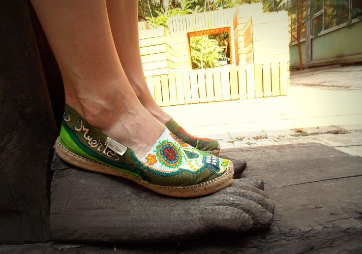 #Handpainted #shoes #textile #waterproofpaint.Theme- Dia de los muertos (Design price starting from 100 Ron) For orders&details please leave a message on Facebook Color MI