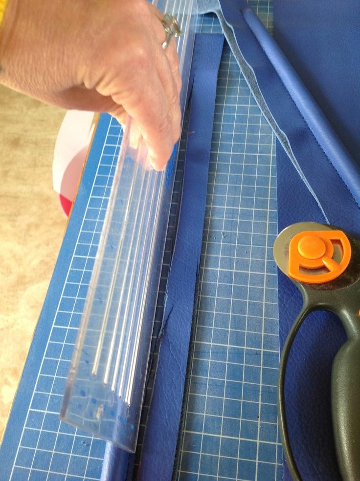 CarmencitaB - how to make leather bag handles