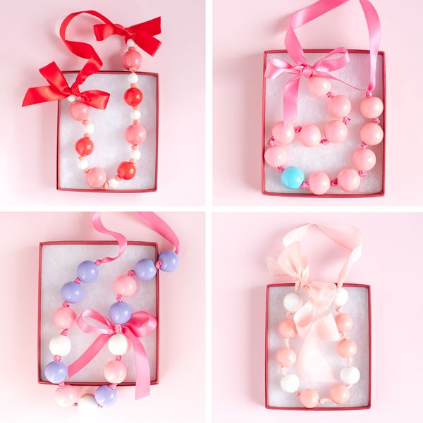 Gumball party: DIY gumball necklace...sweet! :)