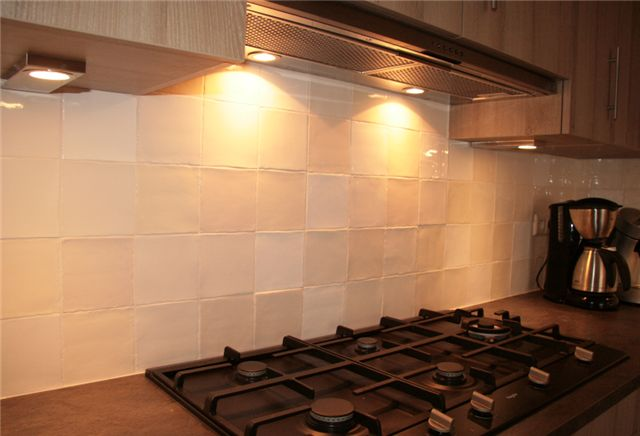 17 beste idee n over achterwand tegel op pinterest keuken terugspatten backsplash idee n en - Credence cement tegels ...