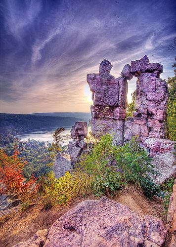 Gorgeous Devil's Lake, Wisconsin pictures! One of my favorite places!! :)