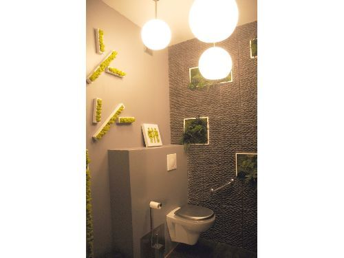 vue toilettes wc pizzeria ambiance zen avec galets et. Black Bedroom Furniture Sets. Home Design Ideas