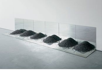 Robert Smithson, Gravel Mirrors with Cracks and Dust, 1968. Lannan Foundation; long-term loan. Photo: Bill Jacobson.