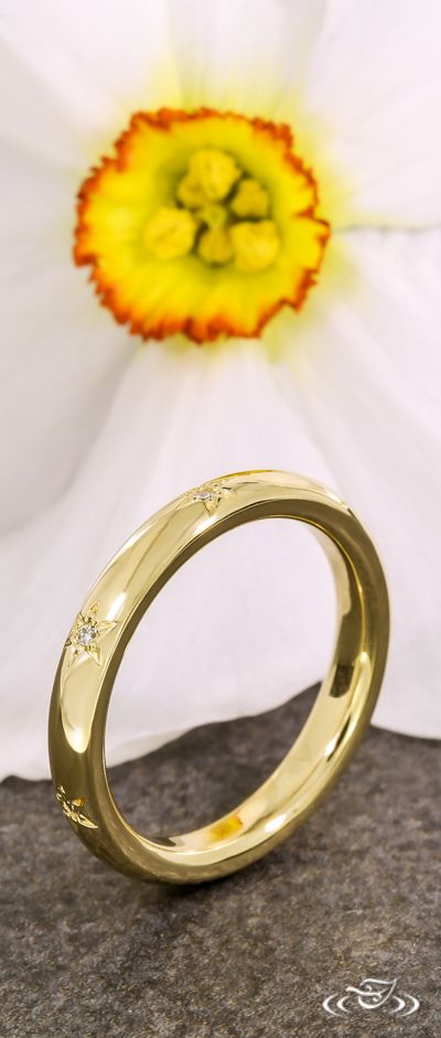 Star Engraved Gold Band with Diamond Accents. Green Lake Jewelry