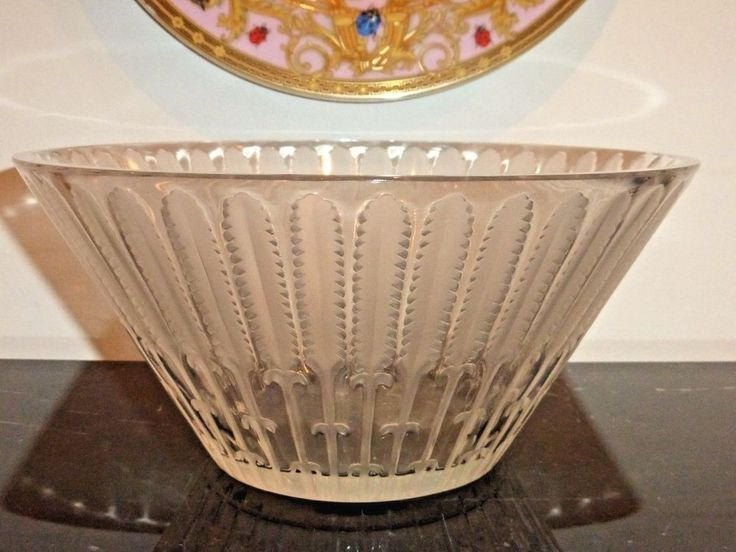 "LALIQUE FRANCE VINTAGE WHEAT FEATHER LARGE GLASS BOWL 10 1/8"" W BY 4 3/4"" H"