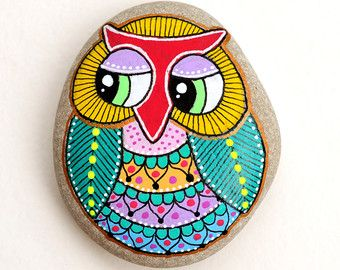 Hand Painted Stone Owl / Gufo Dipinto a mano