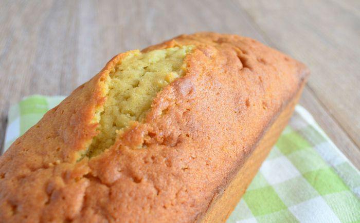 Met dit vanillecake recept als basis kun je elke cake maken die je maar wilt. Voeg bijvoorbeeld cacaopoeder of noten toe voor weer een heel andere cake.